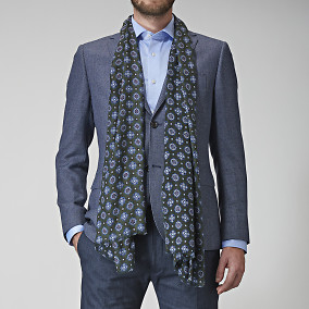 RY Gregory Medallion Scarf